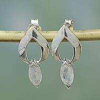 Moonstone earrings, 'Anticipation'