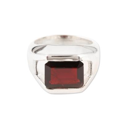 Garnet signet ring, 'Discreet Incandescence' - Garnet signet ring