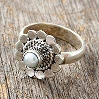 Pearl flower ring, 'Silver Petals' - Pearl flower ring