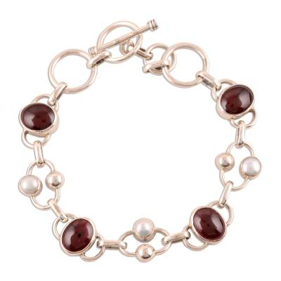 Pearl and garnet link bracelet