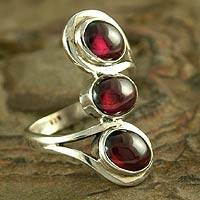 Garnet cocktail ring, 'Melody' - Garnet cocktail ring