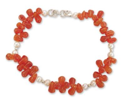 Carnelian and cultured pearl anklet