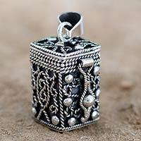 Sterling silver locket pendant,