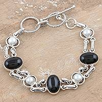 Pearl and onyx link bracelet, 'Jaipur Night' - Pearl and onyx link bracelet