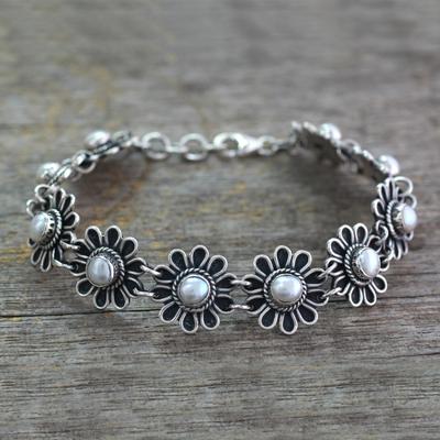 Pearl flower bracelet, 'Pristine Blossom' - Pearl and Silver Flower Bracelet