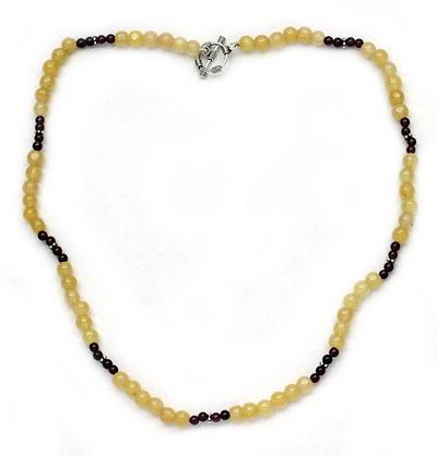 Aventurine and garnet strand necklace