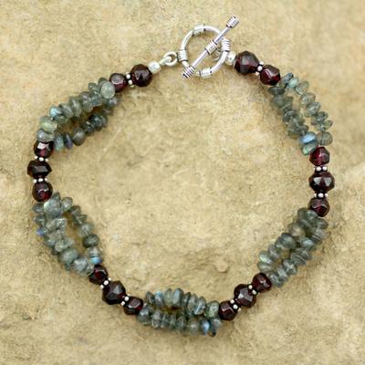 Labradorite and garnet beaded bracelet, 'Misty Mystery' - Labradorite and garnet beaded bracelet