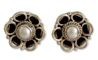 Cultured pearl flower earrings