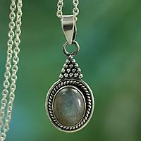 Labradorite pendant necklace, 'Jaipur Mist'