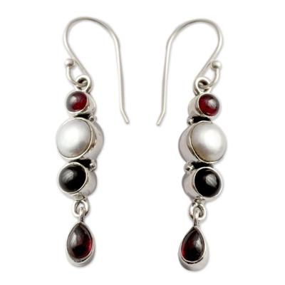 Cultured pearl and onyx dangle earrings