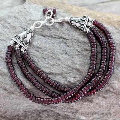 Garnet beaded bracelet, 'Splendor of India' - Unique Beaded Garnet Bracelet from India