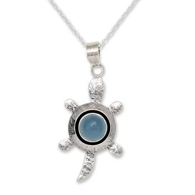 Chalcedony and Silver Pendant Necklace