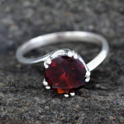 Garnet solitaire ring, 'Delhi Crown' - Sterling Silver and Garnet Solitaire Ring