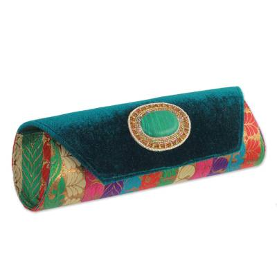 Beaded clutch handbag