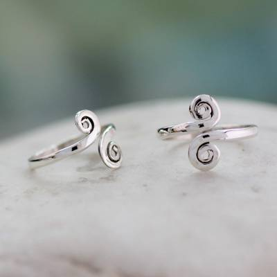 Sterling silver toe rings, 'Luminosity' (pair) - Handcrafted Sterling Silver Toe Rings from India (Pair)
