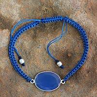 Chalcedony pendant bracelet, 'Solitaire' - Macrame Bracelet with Chalcedony and Silver