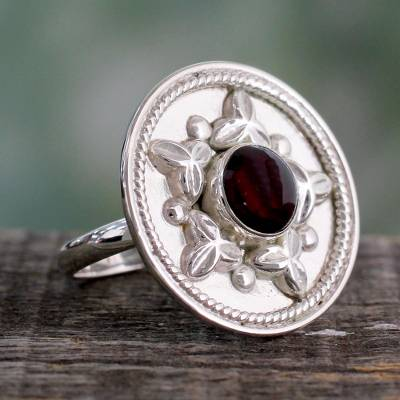 Garnet cocktail ring, 'Crimson Sea Star' - Artisan Crafted Sterling Silver Statement Ring with Garnet