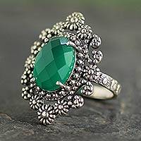 Onyx cocktail ring, 'Green Daisy Halo' - Sterling Silver Cocktail Ring with Faceted Green Onyx