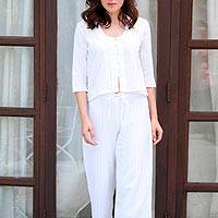 Cropped cotton pants, 'Trendy Elegance' - Comfortable White Cotton Cropped Pants from India