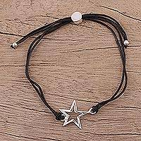 Sterling silver pendant bracelet, 'Starry Shine in Black' - Sterling Silver Star Pendant Bracelet in Black from India