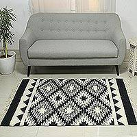 Wool dhurrie rug, 'Diamond Contrast' (4x6) - Black and White Wool Flat-Weave Dhurrie Rug from India (4x6)