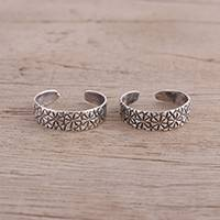 Sterling silver toe rings, 'Floral Saga' (pair) - Pair of Floral Sterling Silver Toe Rings from India