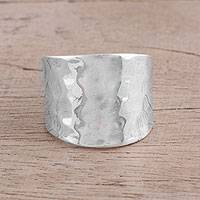 Sterling silver band ring, 'Lustrous Trend' - Handcrafted Hammered Sterling Silver Band Ring