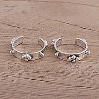 Sterling silver toe rings, 'Spot On' (pair) - Pair of Sterling Silver Toe Rings with Rawa Granules