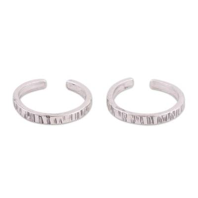Grooved Sterling Silver Toe Rings from India (Pair)