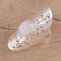 Moonstone cocktail ring, 'Jali Floral Mist' - Ornate Sterling Silver Jali and Moonstone Cocktail Ring
