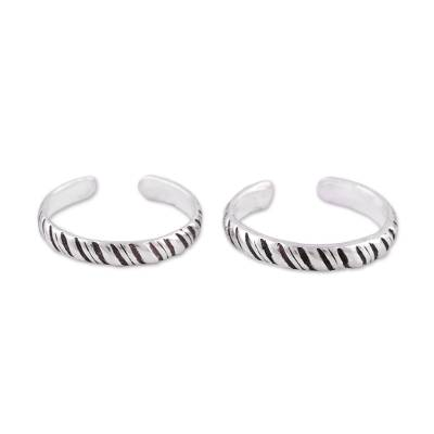 Sterling silver toe rings, 'Uncaged' (pair) - Sterling Silver Toe Rings with Tiger Stripe Design (Pair)