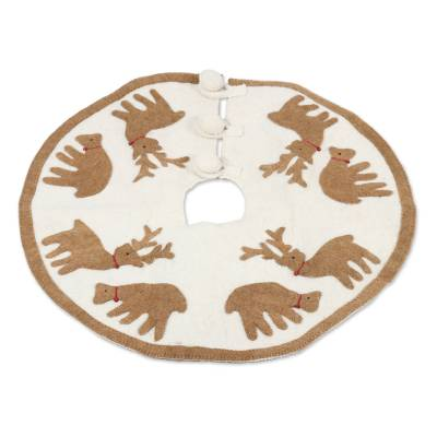 Handcrafted Wool Tree Skirt with Tan Reindeer from India
