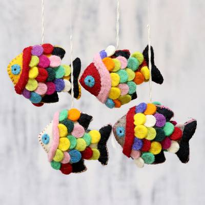 Wool ornaments, 'Rainbow Scales' (set of 4) - Set of Four Multicolored Wool Fish Ornaments from India