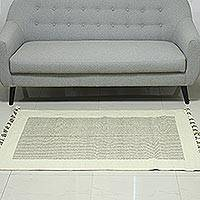 Wool area rug, 'Ivory Bliss' (3x5) - Handwoven Wool Area Rug with Ivory Borders (3x5) from India