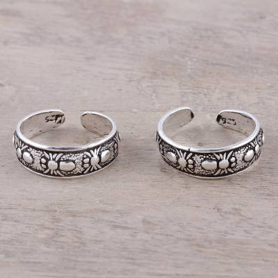 Sterling silver toe rings, 'Wondrous Webs' (pair) - Sterling Silver Adjustable Spider Web Pair of Toe Rings