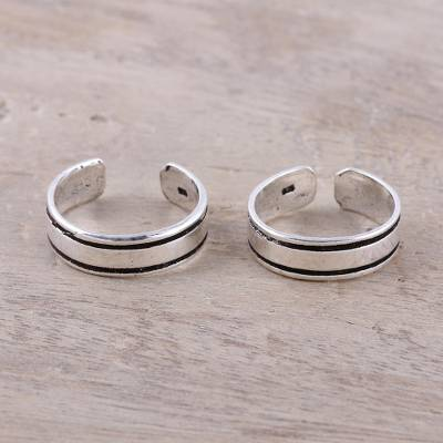 Sterling silver toe rings, 'Divine Minimalism' (pair) - Sterling Silver Adjustable Striped Pair of Toe Rings
