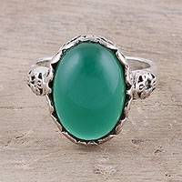 Onyx cocktail ring, 'Glamorous Beauty in Green' - Oval Onyx Cocktail Ring in Green from India