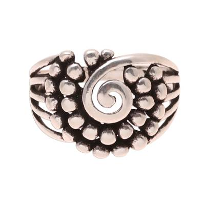 Sterling silver band ring, 'Modern Swirl' - Swirl Pattern Sterling Silver Band Ring from India