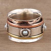 Cultured pearl spinner ring, 'Glowing Energy'