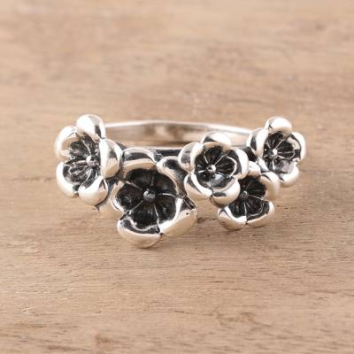 Sterling silver cocktail ring, 'Floral Contrast' - Combination Finish Sterling Silver Cocktail Ring from India