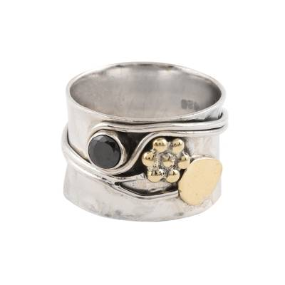 Onyx band ring, 'Graceful Midnight' - Floral Onyx Band Ring Crafted in India