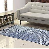 Cotton area rug, 'Azure Stars' (4x6) - Seed Motif Cotton Area Rug in Azure from India (4x6)