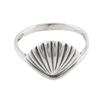 Sterling silver cocktail ring, 'Sleek Shell' - Shell Motif Sterling Silver Ring from India
