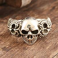 Sterling silver cocktail ring, 'Skull On Wings' - Unisex Handcrafted Sterling Silver Winged Skull Ring