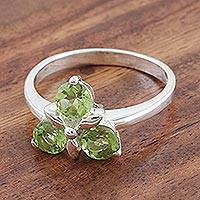 Peridot cocktail ring, 'August Leaves' - Peridot Cluster Sterling Silver Cocktail Ring