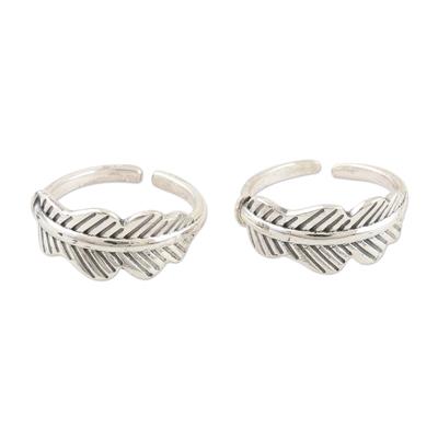 Sterling silver toe rings, 'Laureate' (pair) - Hand Made Sterling Silver Leaf-Themed Toe Rings (Pair)