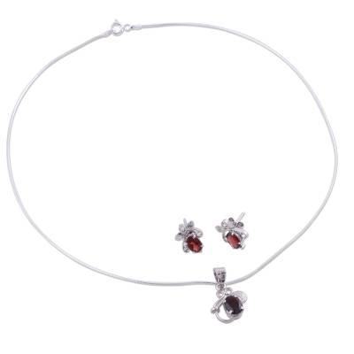 Floral Jewelry Set in Sterling Silver and Garnet