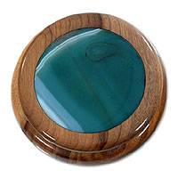 Green agate and cedar jewelry box, 'Forest Amazon' - Green Agate and Wood jewellery Box