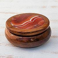 Agate and cedar jewelry box, 'Amazon Sun' - Agate and cedar jewellery box