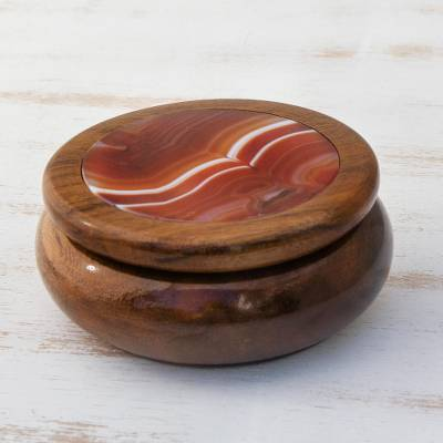Agate and cedar jewelry box, 'Amazon Sun' - Agate and cedar jewelry box